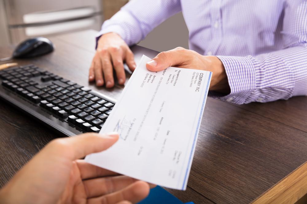 Descarga la Ley de Salario Mínimo, Vacaciones y Licencia por Enfermedad