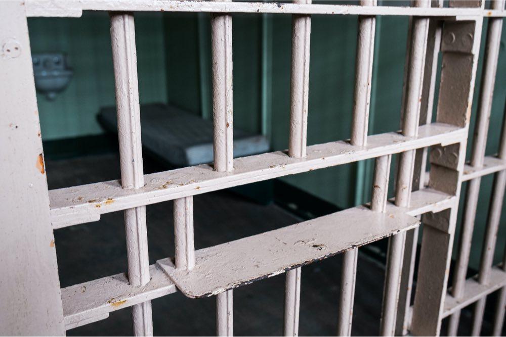 confinados barrotes prisión cárcel