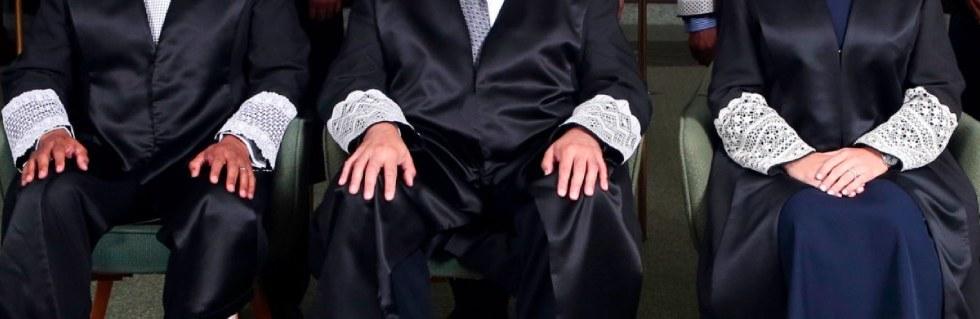 togas jueces juezas