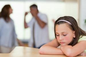 padres-peleando