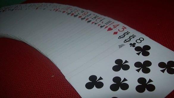 Mengenal Cardsitry Dan Card Flourish