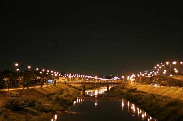 Kuliner Asik di Banjir Kanal Timur