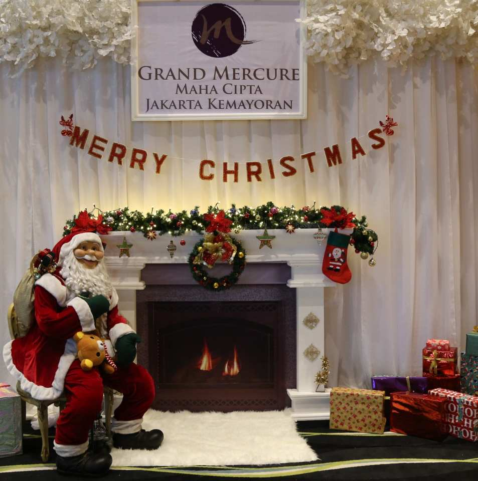 Santa Corner Grand Mercure Kemayoran