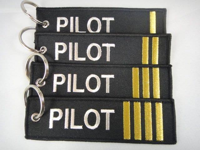 Pangkat Bar di Pundak Pilot