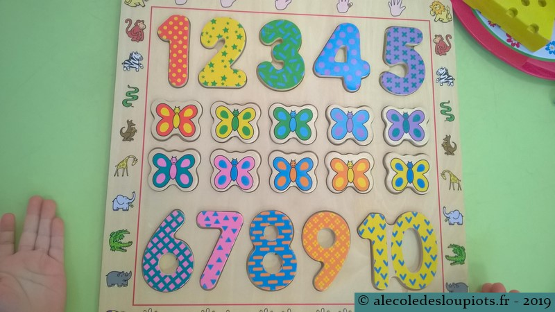 Puzzle chiffres et couleurs à la médiathèque