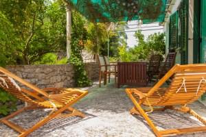 Large backyard terrace Alegria Lumbarda