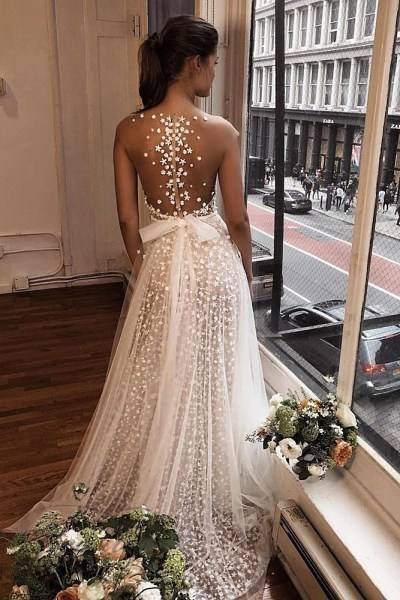 wedding-trends-2019-a-line-with-tattoo-effect-back-berta