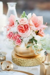 wedding-trends-2019-coral-wedding-decorations-flower-in-gold-jar-KRISTINA-CURTIS