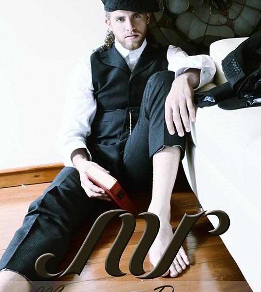 Julián Salazar como imagen del diseñador Mauricio Ramírez