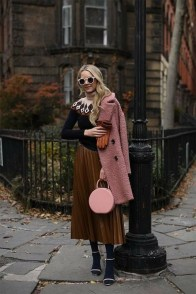 large_Fustany-fashion-how-to-wear-pink-and-brown-together-11~1