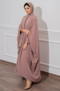 large_friday-fashion-fis-how-to-style-kaftan-with-clothes-in-ramadan-fustany-ar-5~1