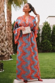 large_friday-fashion-fis-how-to-style-kaftan-with-clothes-in-ramadan-fustany-ar-7~1