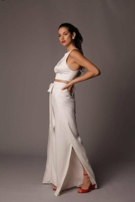 large_Fustany-9-Bridal-Engagement-Looks-That-Are-Not-Dresses-13~1