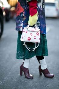 large_Fustany-fashion-accessories-how-to-style-evening-shoulder-bags-2~1