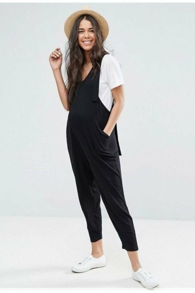 large_Fustany-fashion-maternity-outfits-for-eid-2~1