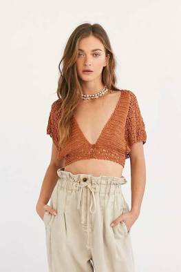 large_fustany-fashion-style-ideas-how-to-wear-crochet-outfit-ideas-12~1