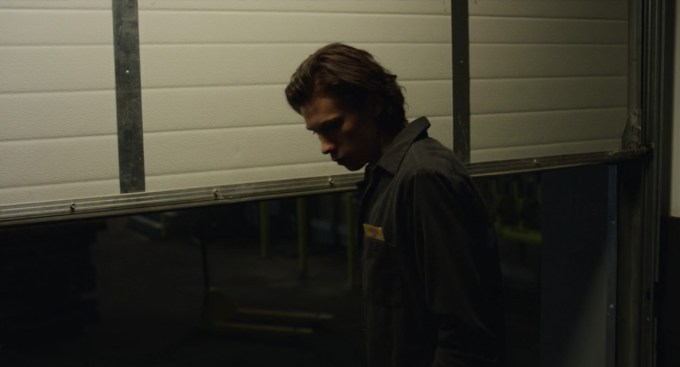Black Mirror 4.02 cena 44