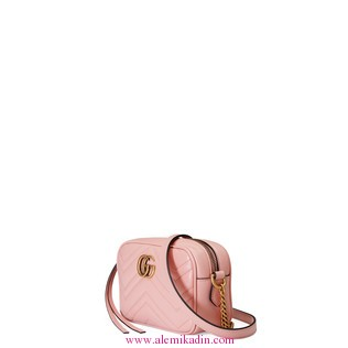 Gucci_CantaCuzdanLight-GG-Marmont-matelass-mini-bag-1