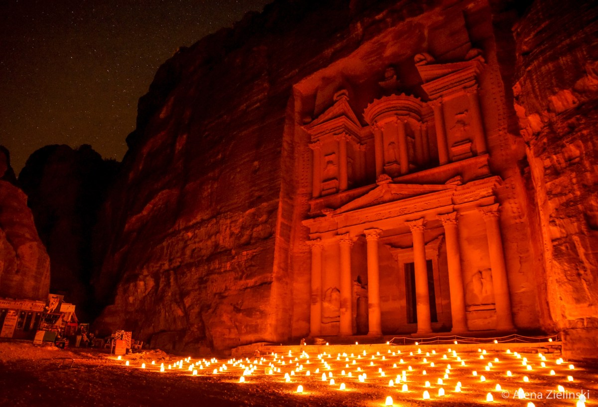 Petra by Night – Ein Meer aus Kerzen