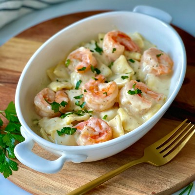 15-Minute Cheese Ravioli with Shrimps and Garlic Butter Sauce