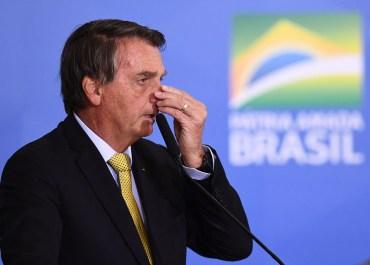 Bolsonaro reclama de soluços que persistem há dias; entenda possíveis causas