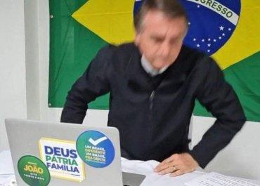 Questionado sobre rachadinha, Bolsonaro se altera e abandona entrevista