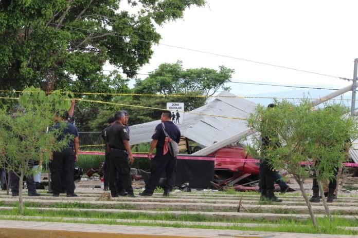 Siete muertos, entre ellos dos policías al ser arrollado por un trailer en La Pochota WhatsApp Image 2018 06 20 at 17.38.47