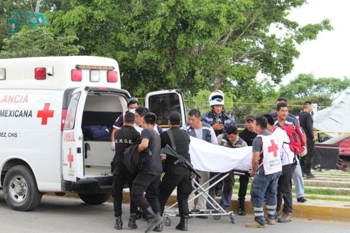 Siete muertos, entre ellos dos policías al ser arrollado por un trailer en La Pochota WhatsApp Image 2018 06 20 at 17.39.141