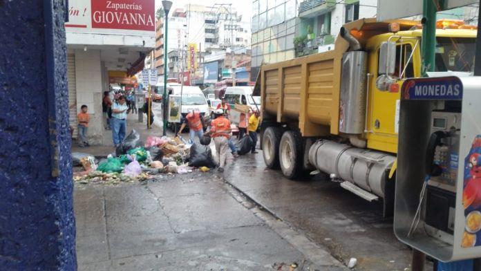 Desalojan a vendedores ambulantes del centro de Tuxtla WhatsApp Image 2018 06 22 at 14.03.151