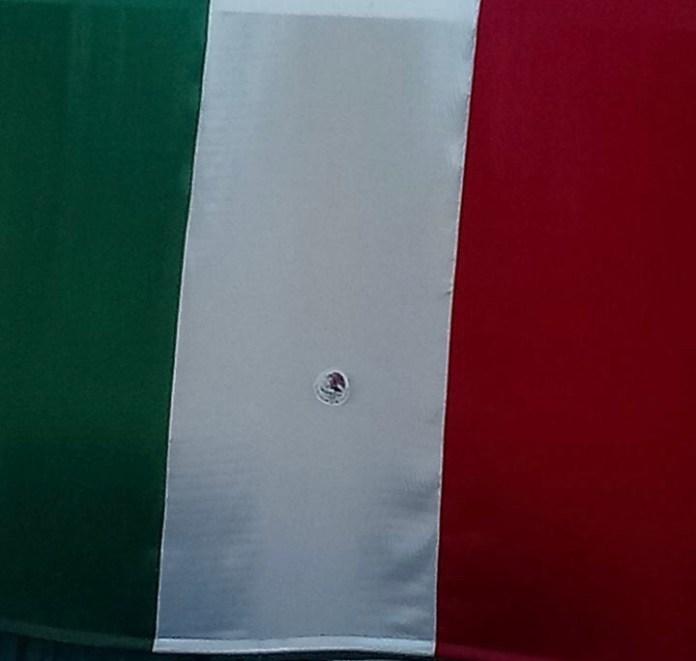 Causa indignación el uso de bandera sin el escudo nacional por parte del TJA Chiapas IMG 6692