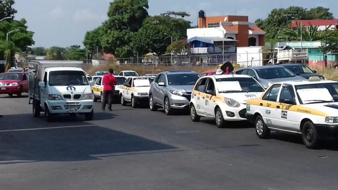Transportistas exigen que el alcalde de #Tapachula se ponga a trabajar. 921cf063 d496 4e5d 8f66 fcfc78a95511
