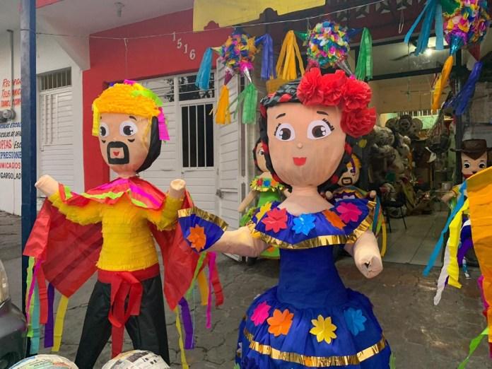 Piñatería tuxtleca promueve el amor por la Fiesta Grande de Enero 42acca92 61d2 45e3 8e8a 9ae989203062