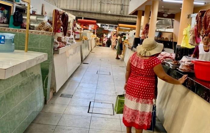 Por la contingencia, locatarios del Mercado 5 de Mayo reportan bajas ventas d22b4b6f c02c 4a53 b191 5a7ac991a439