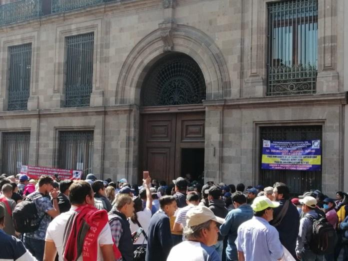 Se le planta la CNTE a Obrador frente a Palacio Nacional e480f61c d7d6 49cf 8e8b dbc1f82a4e47