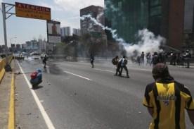 Protesta26AP-LOTE-DOS2-20170426-680x453