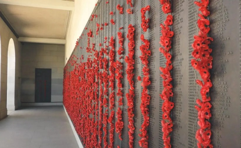 Cosa vedere in road trip a Canberra,  Memorial Courtyards