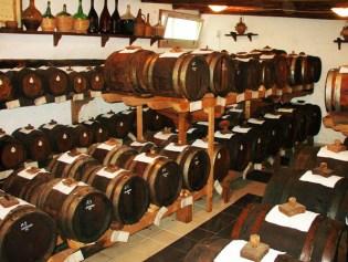 794px-Barrels_vinegar