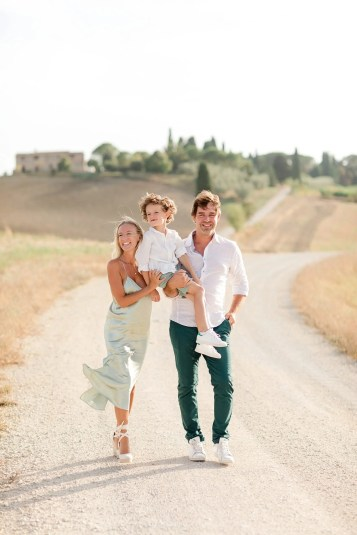 We start shooting in the amazing afternoon's light in a wonderful scenario. Tuscany countryside offer many stunning spot to take family pictures. Picture by Alessandro Taddeini.