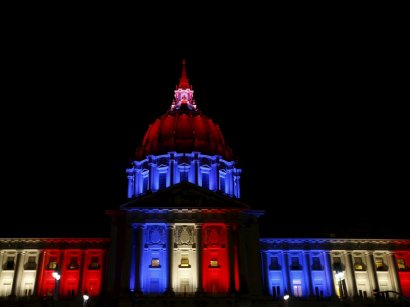 city-hall-in-san-francisco-was-tricolored-last-night