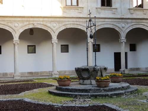 Colegio Menor de San Jerónimo