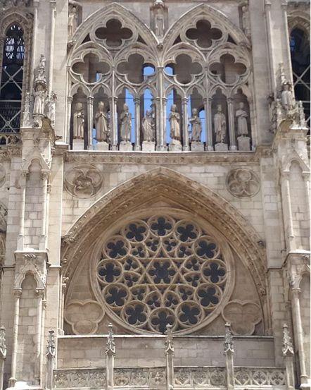 Rosetón de la fachada principal de la Catedral de Burgos