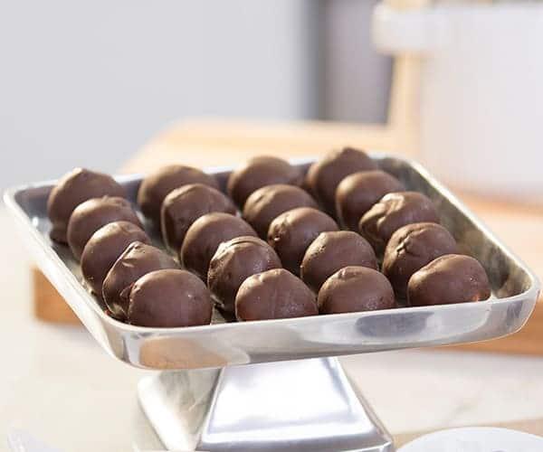 Peanut-Butter-Chocolate-Balls.inpost
