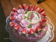 fruchtige Kommunion mit Rosendekor