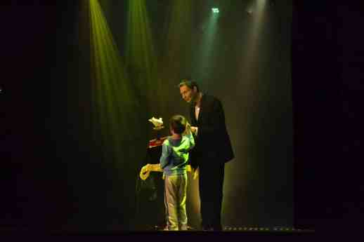 magicien colombe spectacle enfant