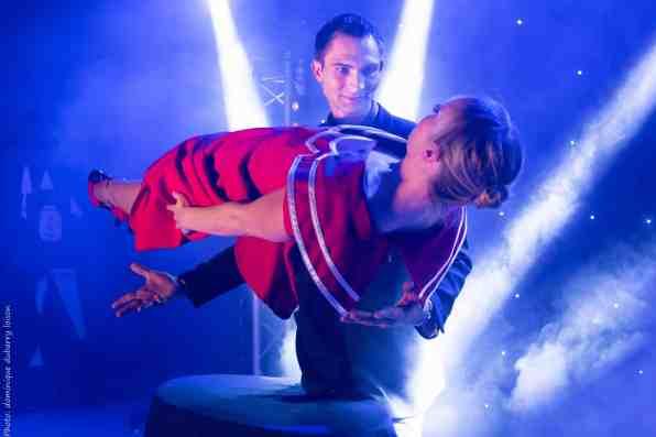 Spontus levitation 360 magician french