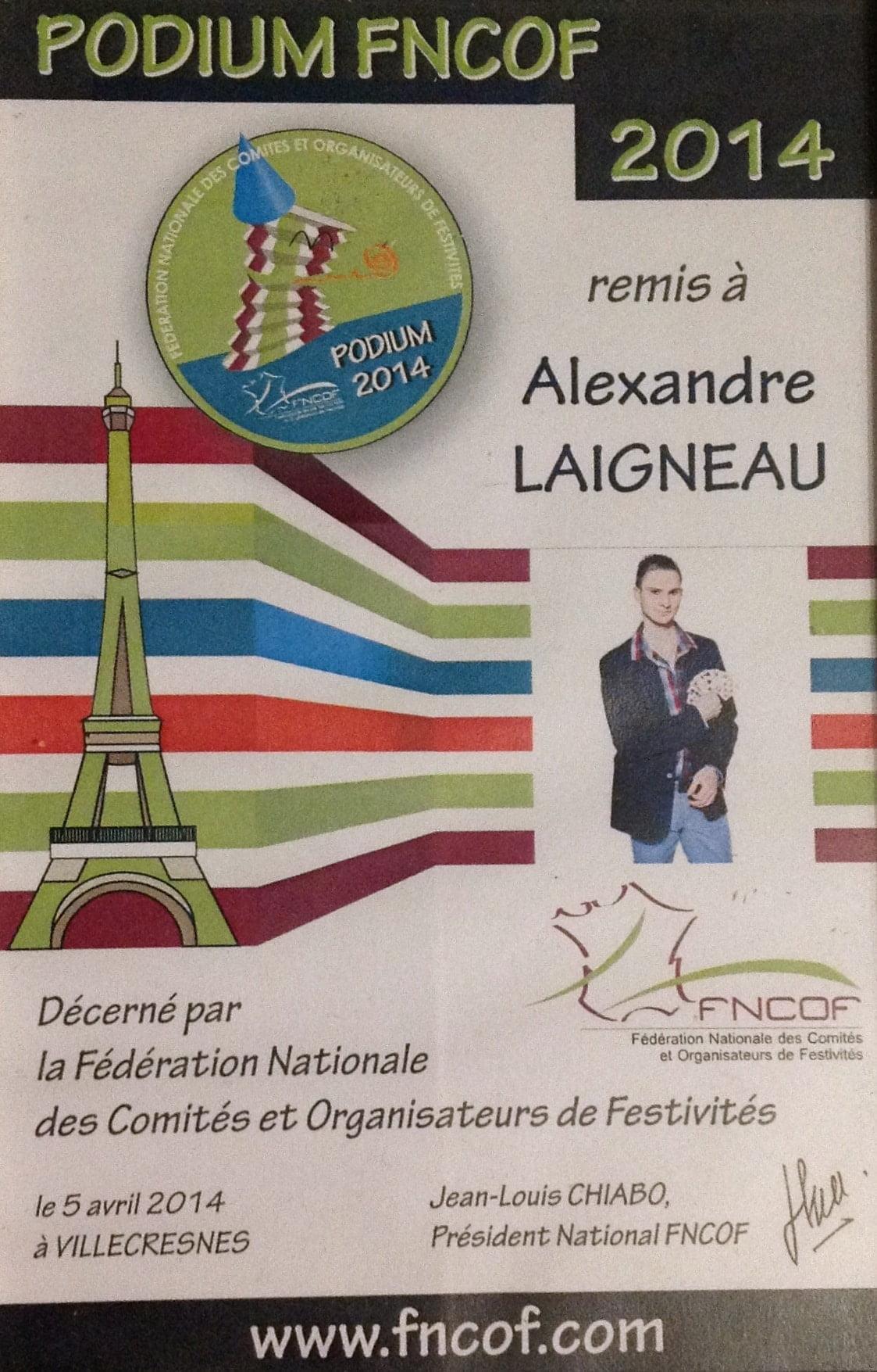 Podium FNCOF Artiste magicien Alexandre Laigneau Villecresnes 94 Comité des fêtes