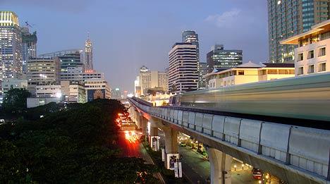 sky train - metrou aerian