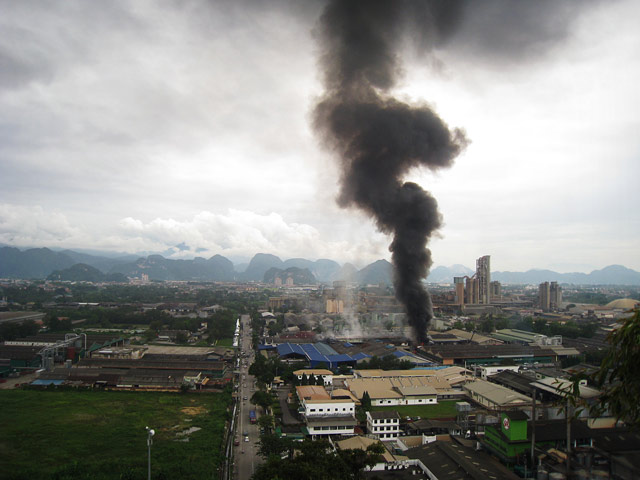 fire in the industrial area of Ipoh