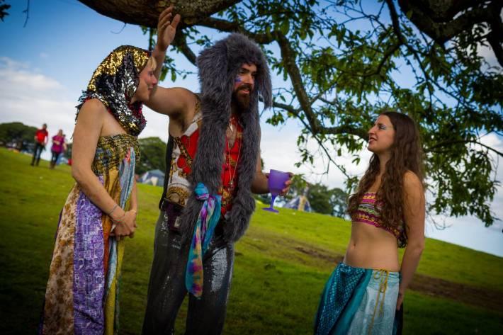 Christian prepares Venus and Natalie.