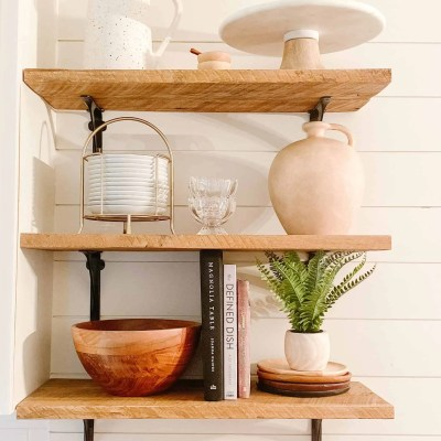 Tips for Styling Open Shelving in the Kitchen